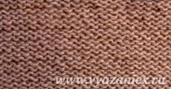 Лицевая гладь - образец простого узора, связанного спицами, изнаночная сторона